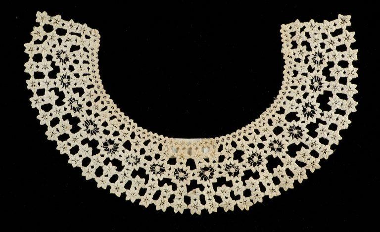 Collar. <br/>ca. 1855