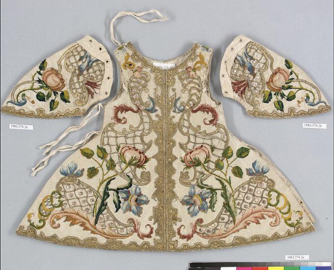 Statue robe. <br/>18th century