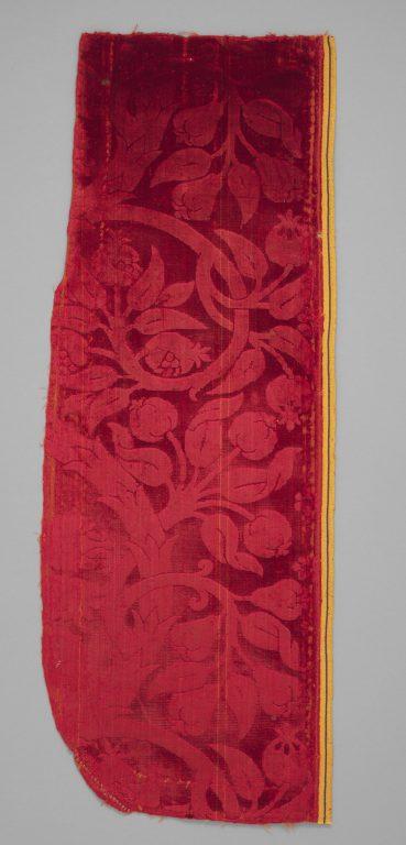 Fragment with Sempervivum tectorum motif. <br/>1475-1525