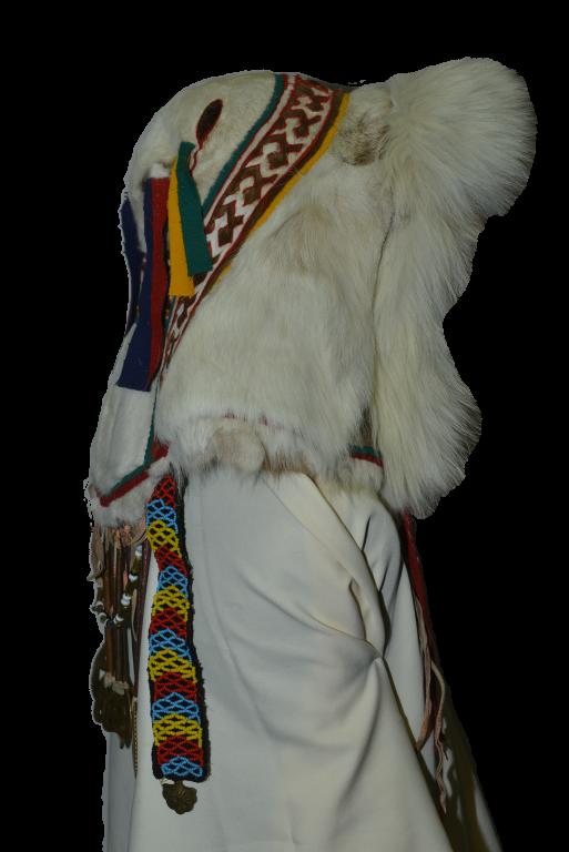 Женский праздничный головной убор с металлическими подвесками «сава». <br/>1985 год